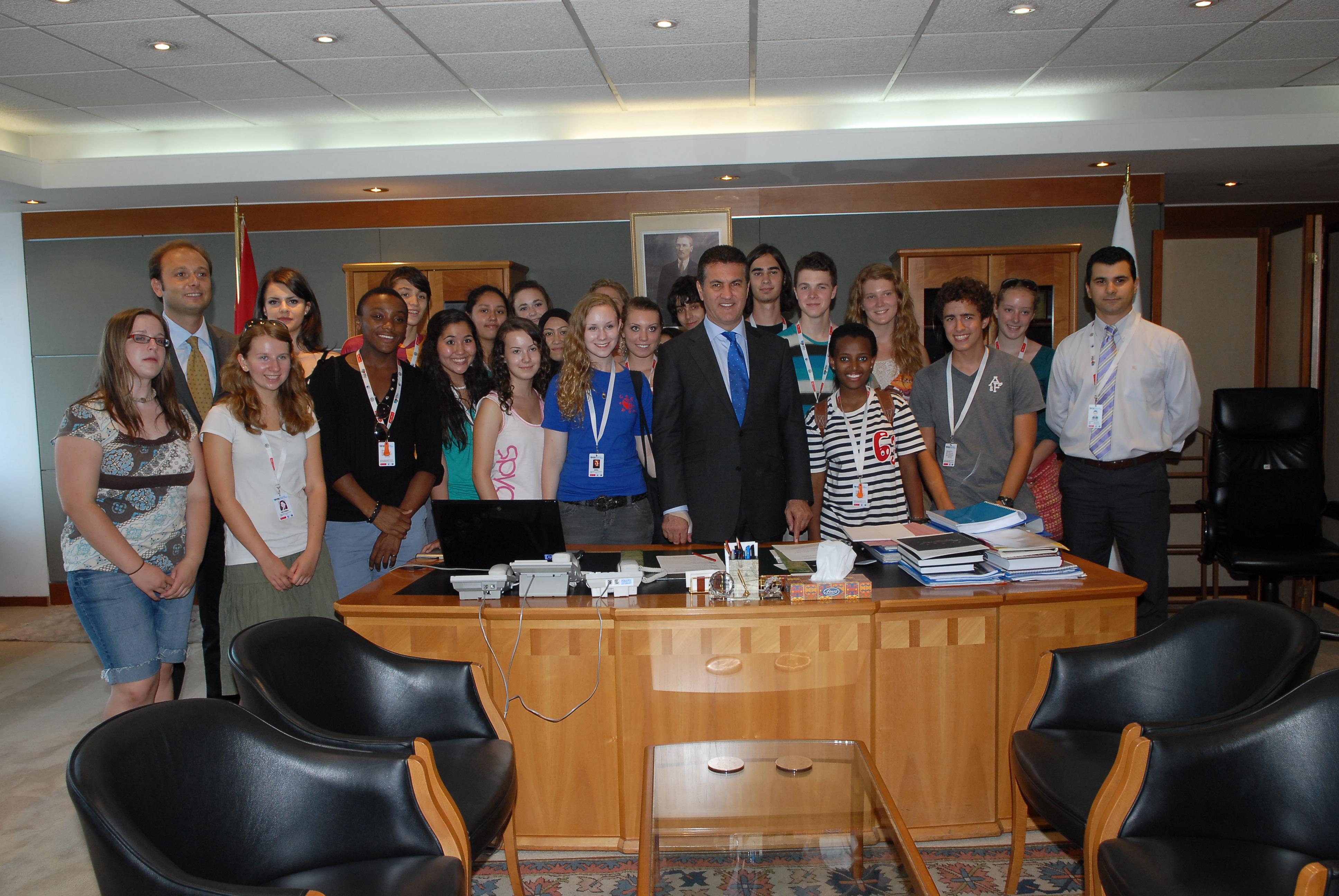 NSLI Öğrencileri Şişli Belediyesi'ni Ziyaret Etti