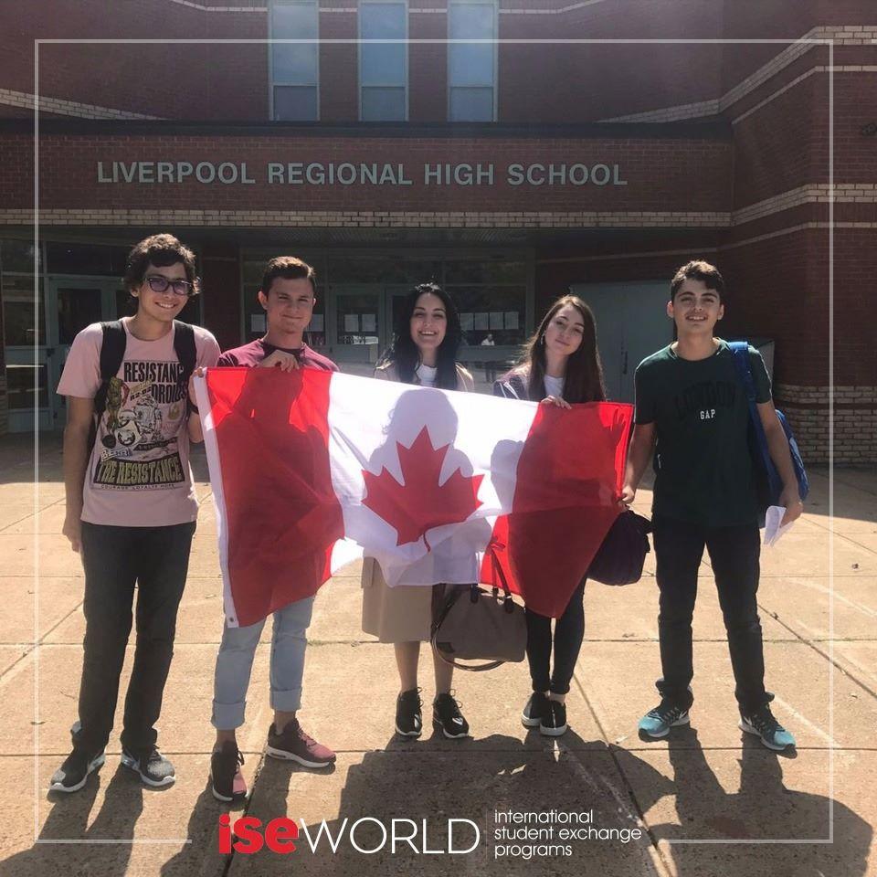 ISEWorld olarak öğrencilerimiz Ahmet Deniz Engin, Berke Özçağ, Elis Can ve Muratcan Durmuş'u Kanada'daki okullarında ziyaret ettik; Onların mutluluklarına ve heyecanlarına ortak olduk.