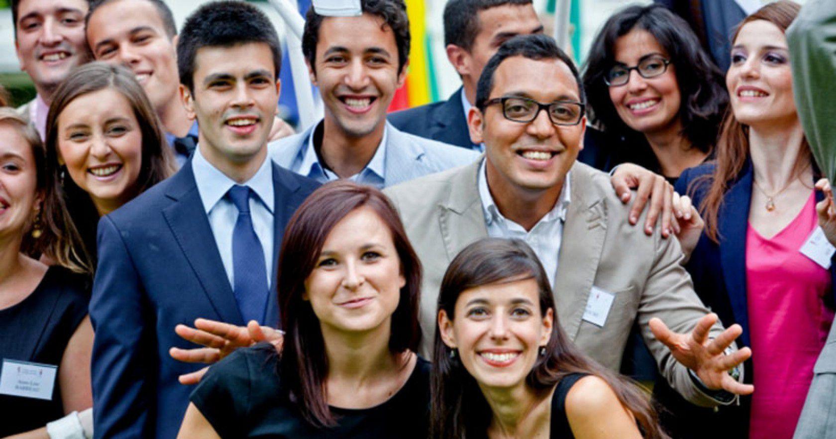 Avrupa'da Lise Okuyan Ünlüler Kimlerdir?