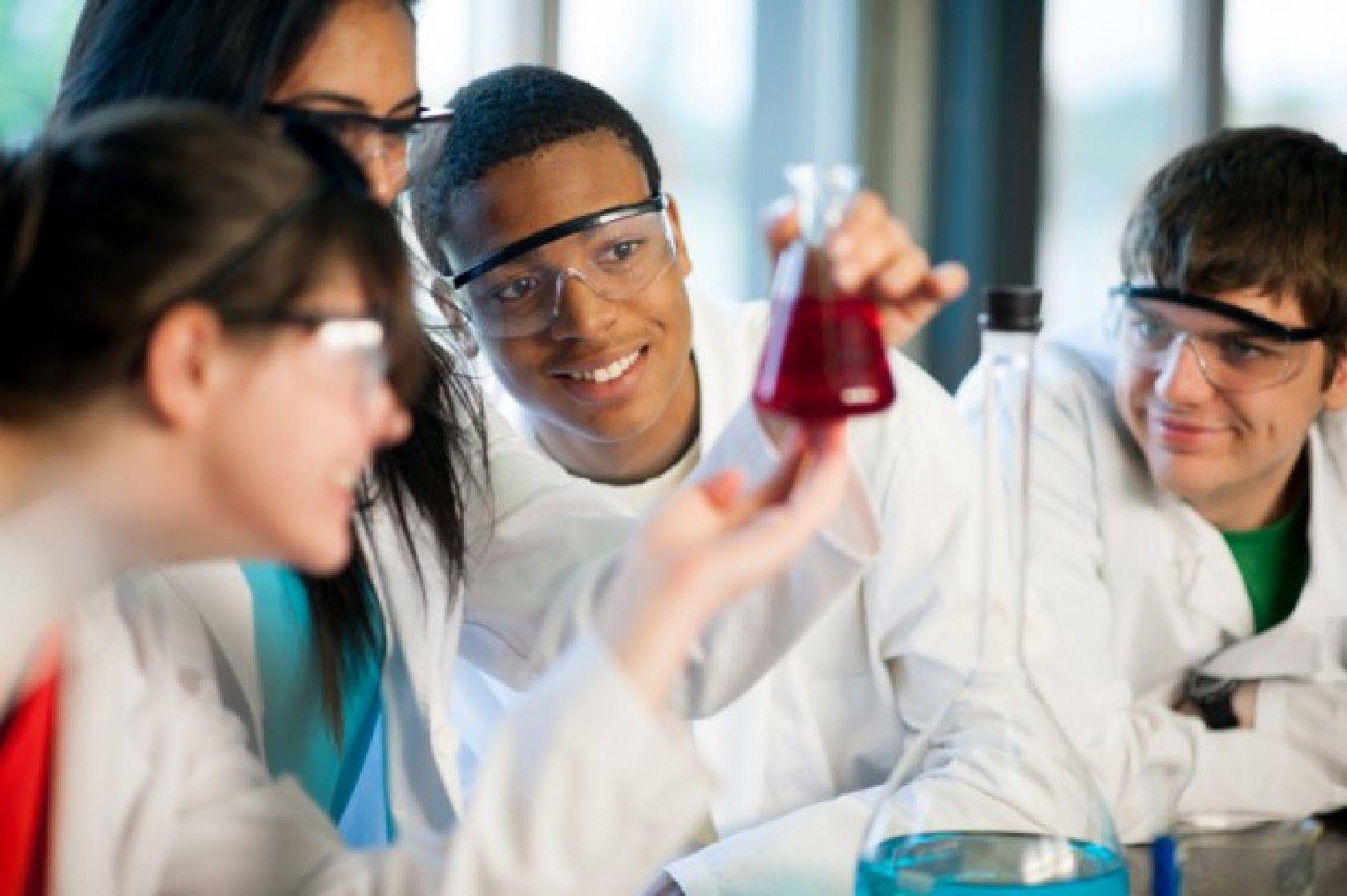 Amerikan Lise Diploması Nasıl Alınır?
