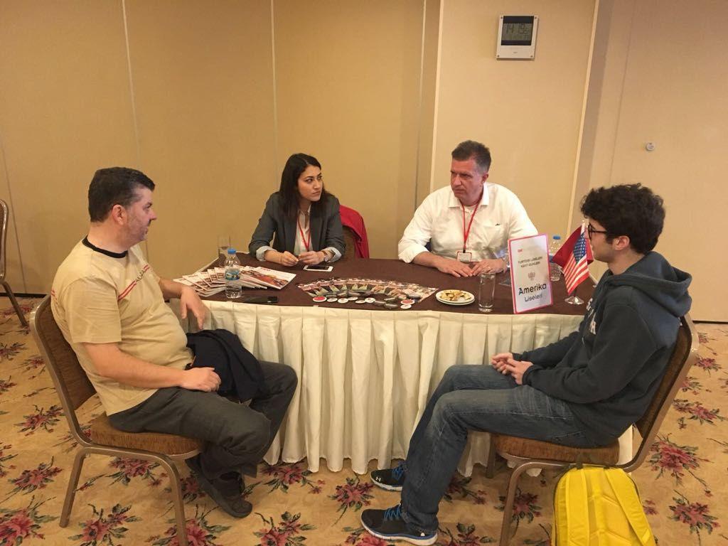 İzmir Yurtdışı Liseleri Kayıt Günleri'ne büyük ilgi gösterdi