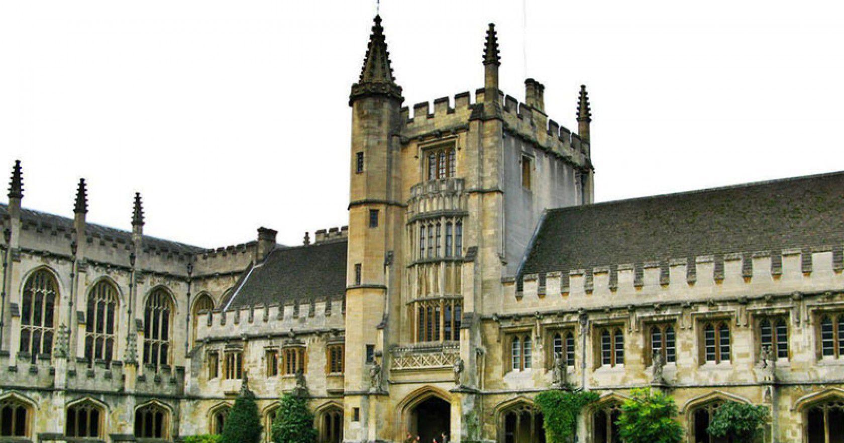 İngiltere'de Özel Okul ve Eğitim Olanakları Hakkında Merak Edilen Her Şey