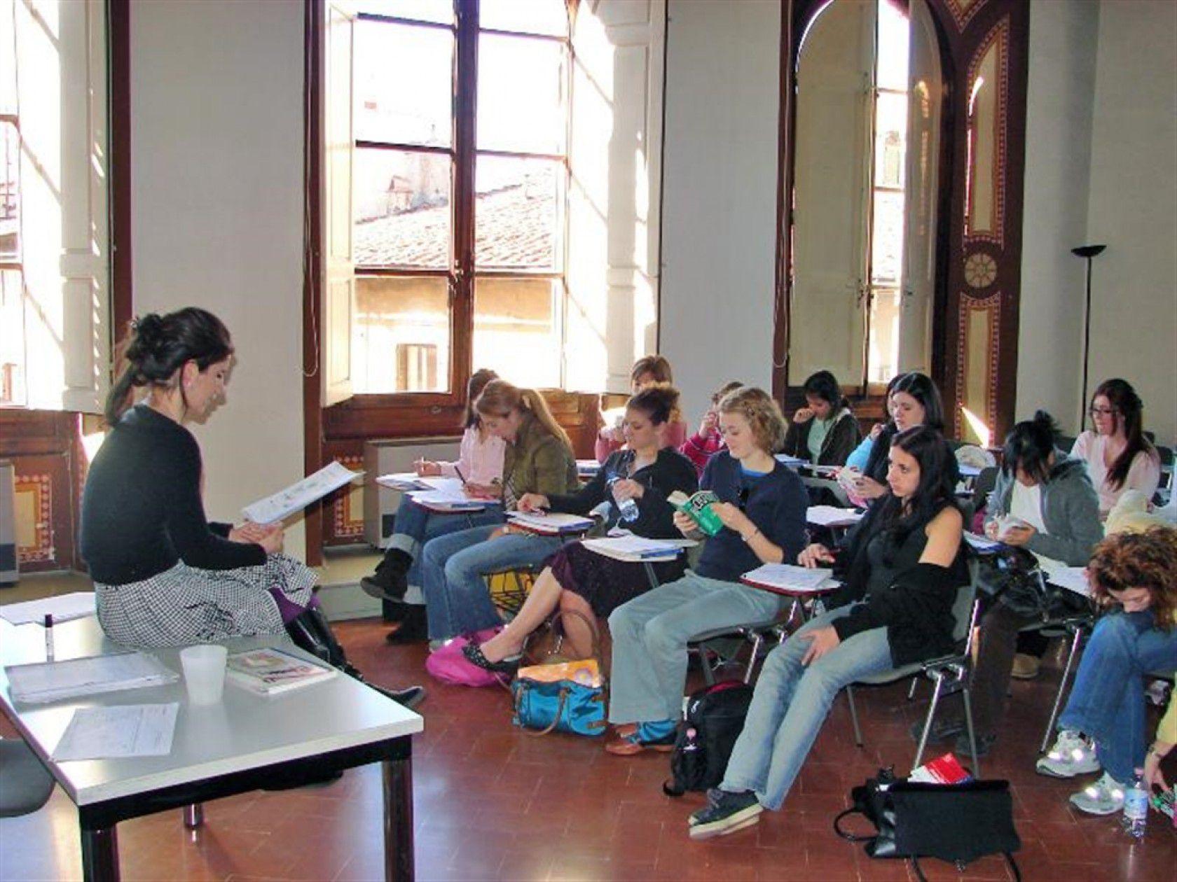 İtalya'dan alınan ortaokul diplomasının faydaları nelerdir?