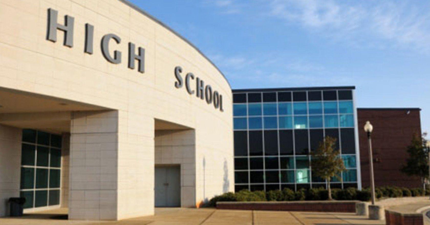 Amerika'da En iyi Spor Liseleri Hakkında Mutlaka Bilinmesi Gerekenler