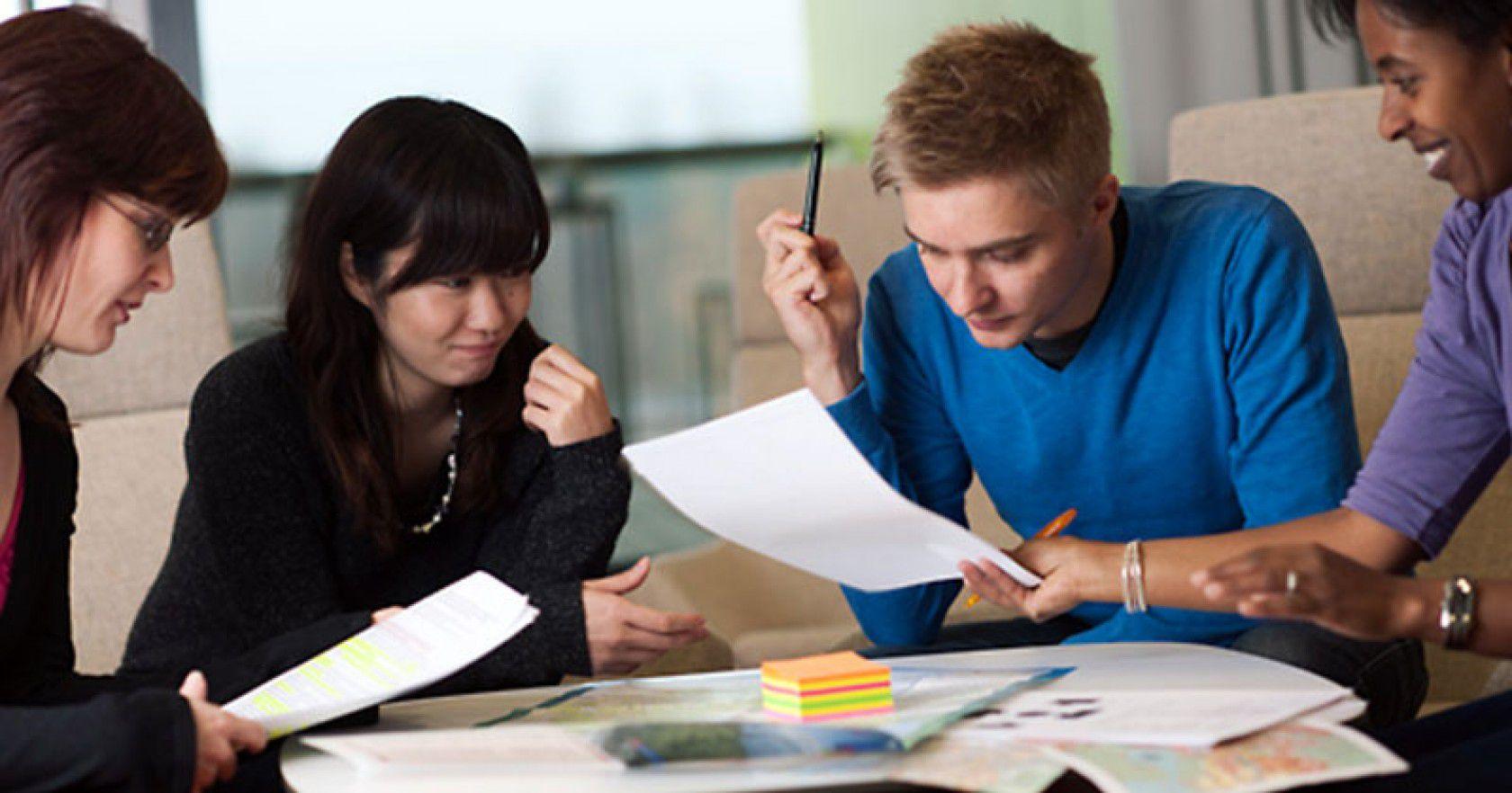 Avustralya Lise Eğitim Programları Hakkında Eğitimci Görüşü