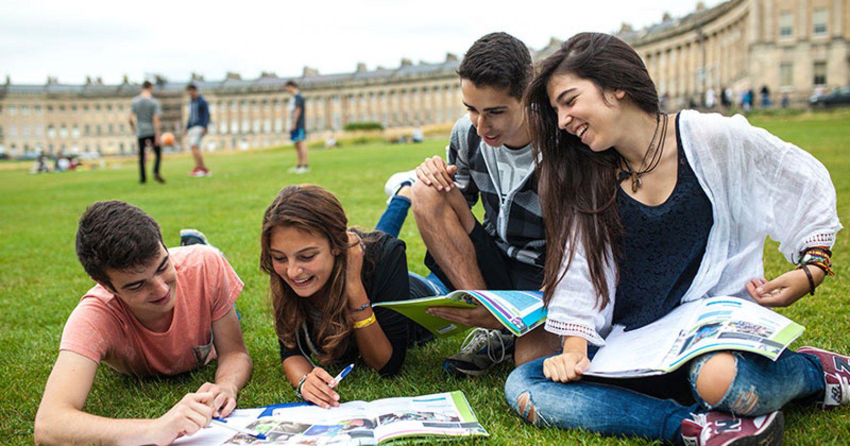 İngiltere Lise Öğrenci Vizeleri ve Belgeleri Nelerdir?