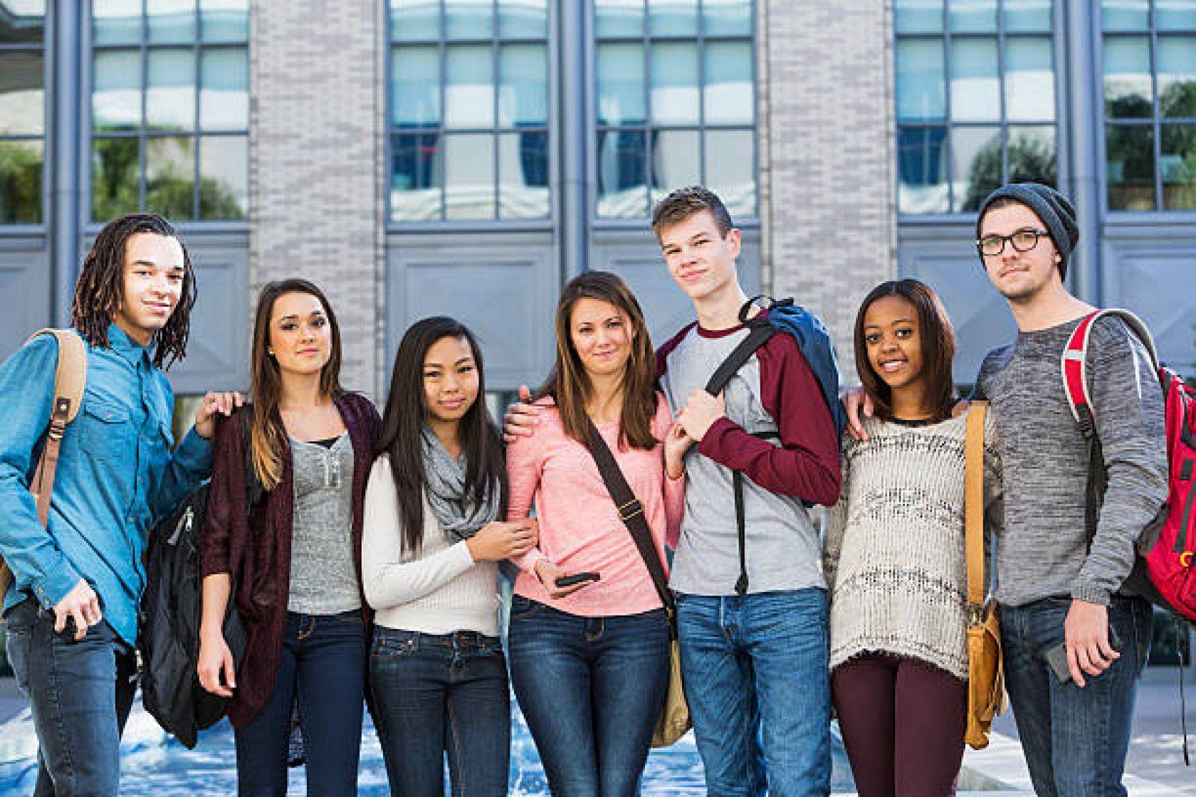 Lise Son Sınıfı İsviçre'de Okumak Ve Bir İsviçre Lisesinden Mezun Olmak Nasıl Olur?