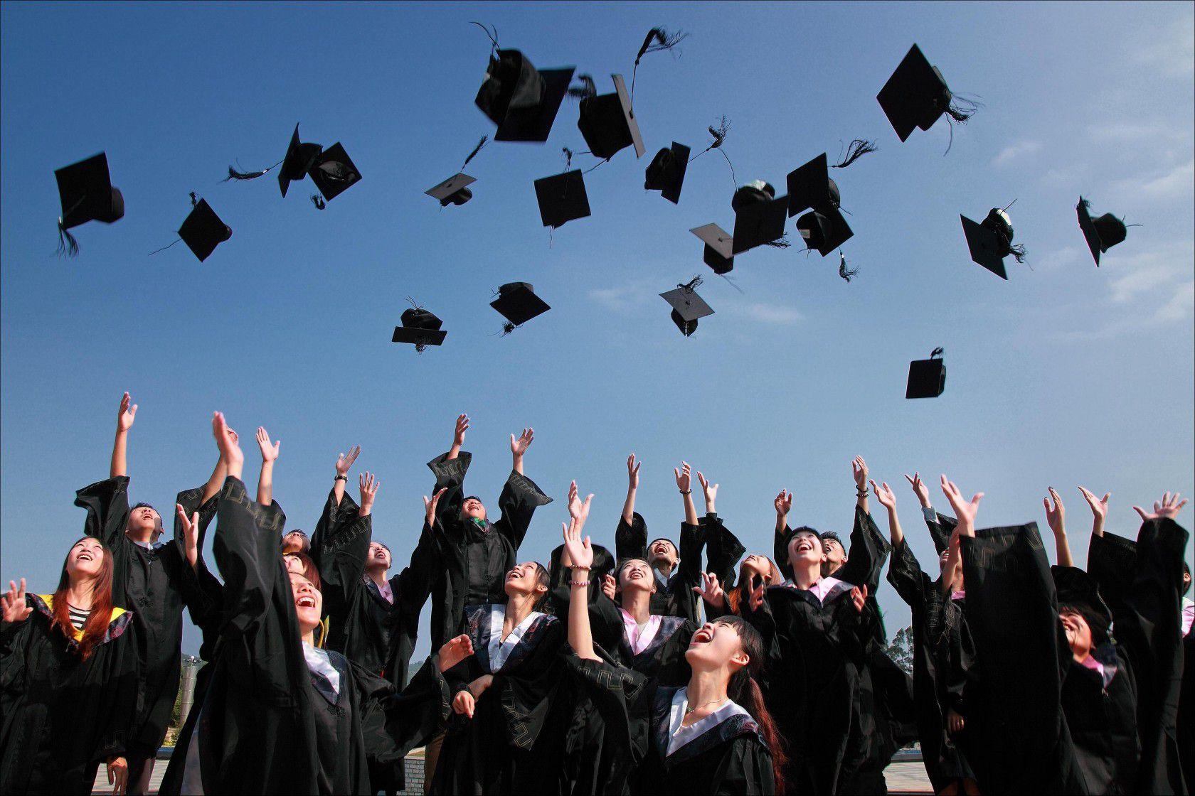 Yurtdışında Liseden Üniversiteye Geçişte Nelere Dikkat Etmeli