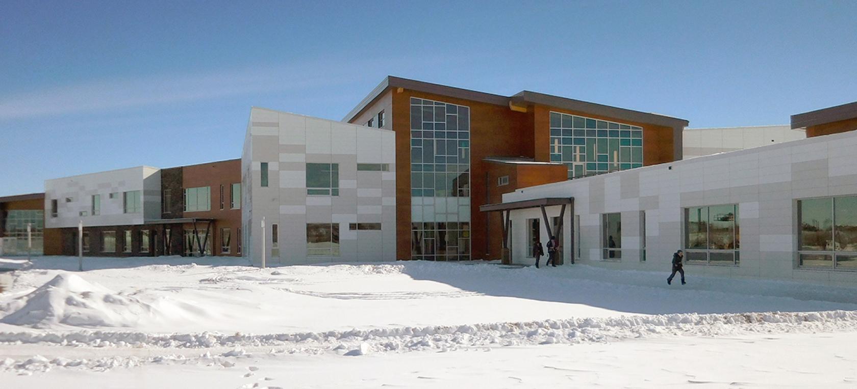 Kanada'da Lise Eğitimi İçin Strathcona-Tweedsmuir School