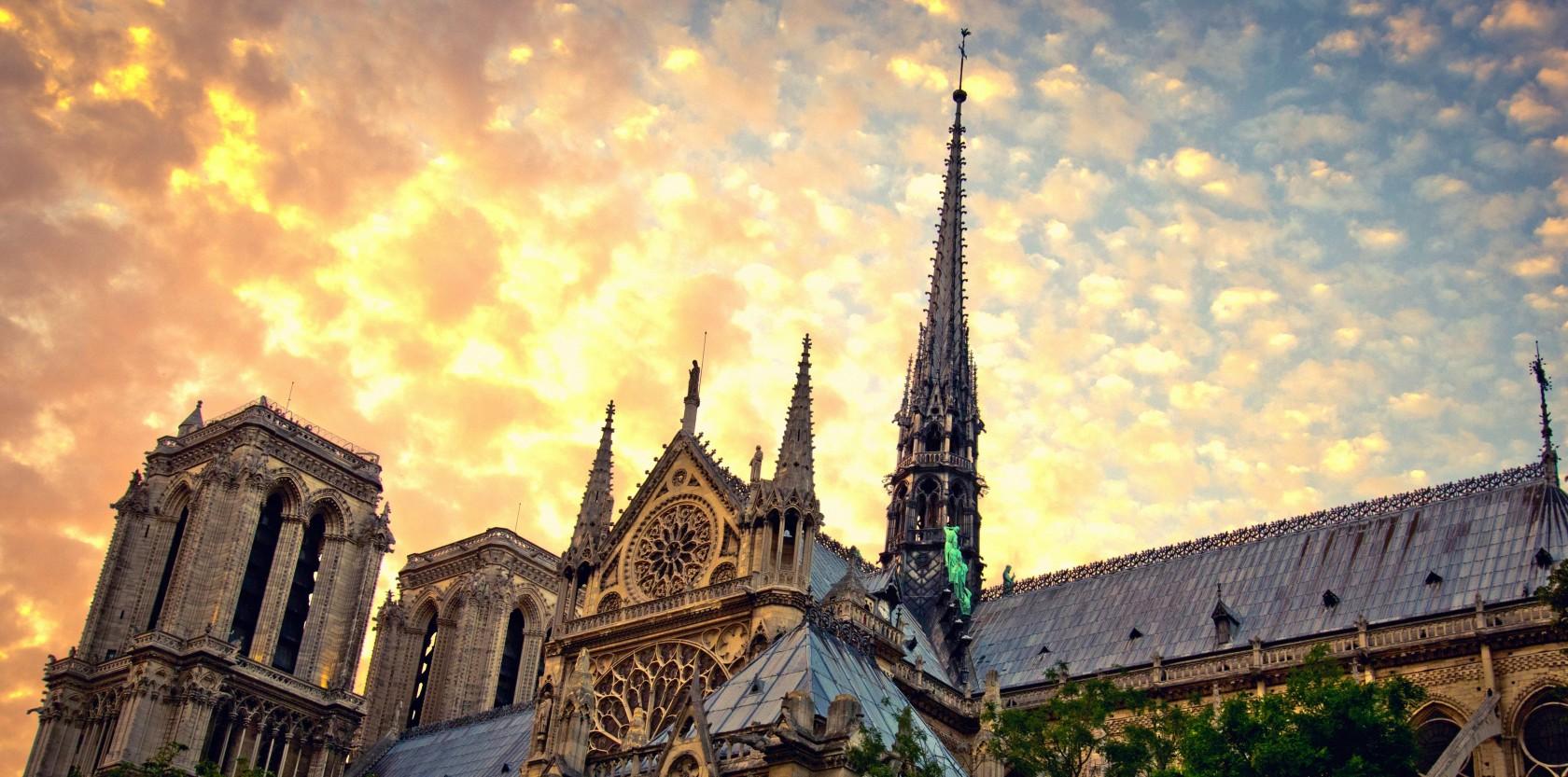 FRANSA'DA ÖZEL LİSE: FRANSIZ STİLİ EĞİTİMLE LİSEDE FELSEFİ VE SANATSAL BİR EĞİTİMLE DÖNÜŞÜMÜ KEŞFEDİN
