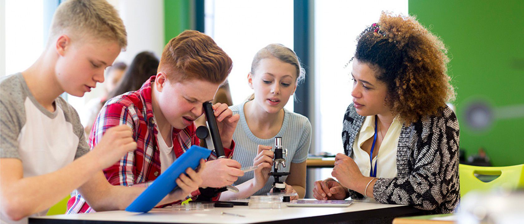 Kanada'dan alınan ortaokul diplomasının faydaları nelerdir?
